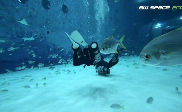 水中ドローンBW Space Pro水族館・水槽内デモ